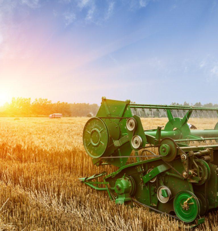 Аграрии Днепропетровщины собрали первый миллион тонн зерна