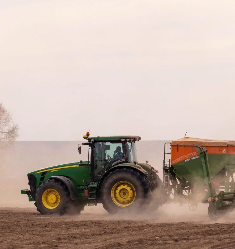 Одесские фермеры получили 125 тонн зерна на посевную