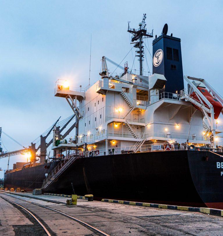 KADORR Agro отгрузила первый панамакс из Одессы