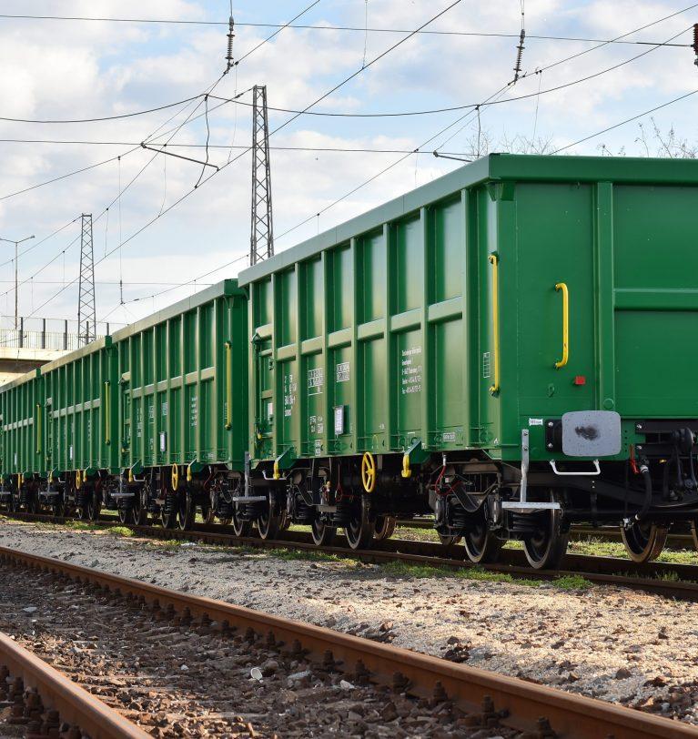 Майже 850 вагонів з вантажем простоюють на кордоні Казахстану з Китаєм