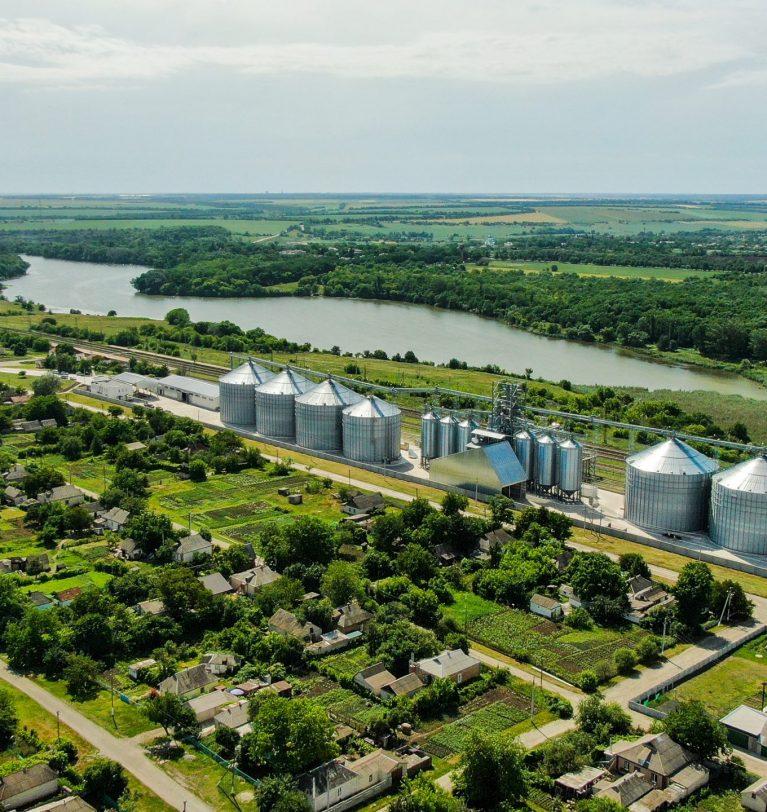Элеватор компании KADORR первым в районе принял ячмень урожая 2021 года