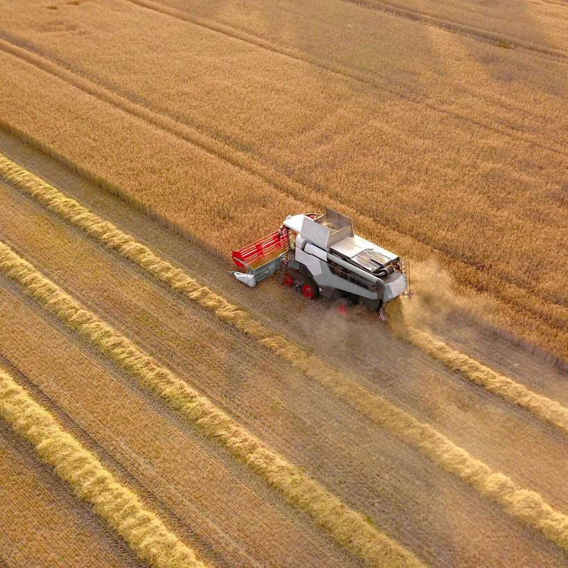 Перший мільйон т зернових нового врожаю зібраний